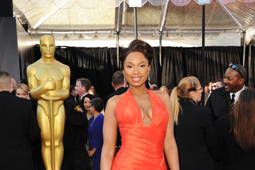 Jennifer Hudson Oscars Dress Ranks #15 on Best Dressed List