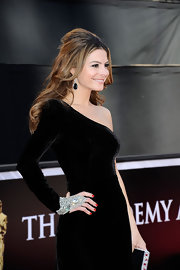 Maria Menounos wore a classic red polish paired with a glamorous velvet gown at the 83rd Annual Academy Awards.