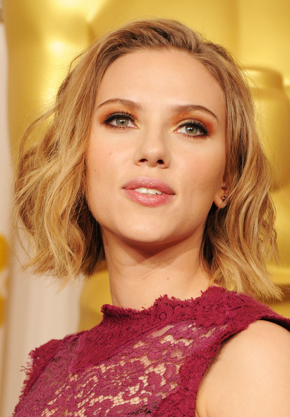 More Pics of Scarlett Johansson Short Wavy Cut (1 of 20) - Scarlett Johansson Lookbook - StyleBistro
