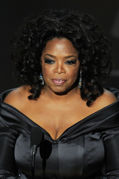 Oprah Winfrey topped off her glam Oscars look with a high-volume curly 'do.