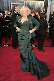 Glenn Close was stunning in deep green, topped off with a matching blazer.