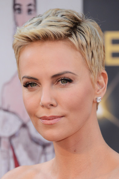 More Pics Of Charlize Theron Pixie 6 Of 86 Short Hairstyles