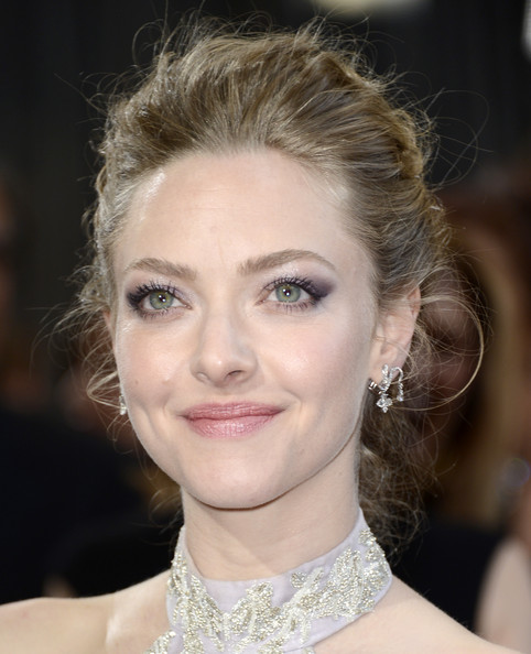 Amanda Seyfried's Windswept Updo
