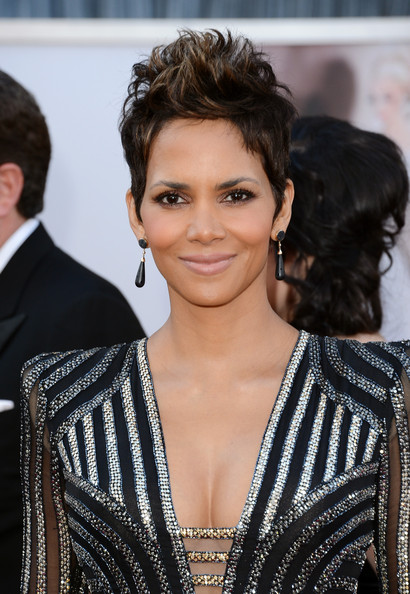 Nude pictures of halle berry galleries 4