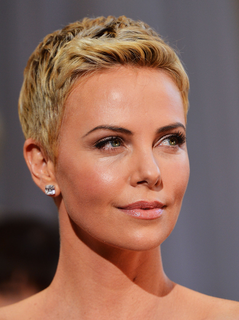 More Pics of Charlize Theron Pixie (46 of 86) - Short Hairstyles ...