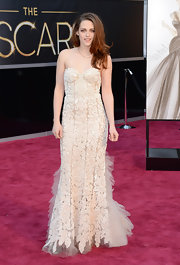 Kristen Stewart ravished on the 2013 Oscars red carpet in a hand-beaded tulle-paneled gown.