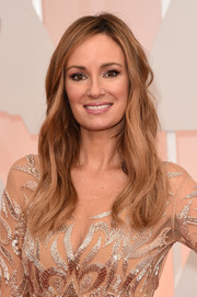 Catt Sadler opted for a loose, subtly wavy style when she attended the Oscars.