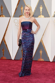 Naomi Watts looked mesmerizing in an intricately embellished blue and purple strapless gown by Armani Privé at the Oscars.