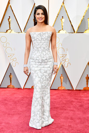Priyanka Chopra went ultra modern in a geometric-patterned strapless gown by Ralph & Russo Couture at the 2017 Oscars.