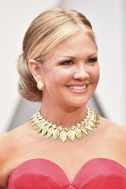 Nancy O'Dell went for old-school glamour with this center-parted chignon at the 2017 Oscars.