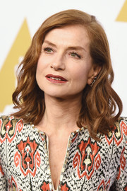 Isabelle Huppert looked lovely with her piecey waves at the Academy Awards nominees luncheon.