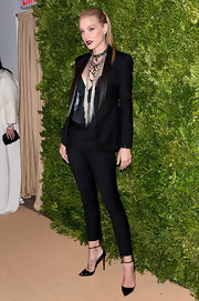 Jessica Stam looked ultra-fierce at the CFDA Fashion Fund Awards in a sharp black suit with satin lapels and cropped pants.