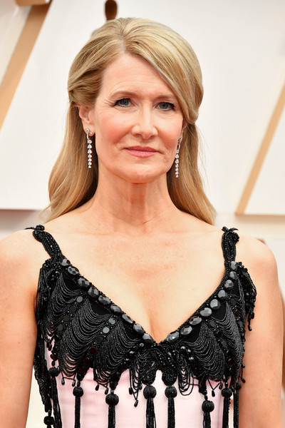 More Pics of Laura Dern Long Side Part (4 of 18) - Long Hairstyles Lookbook - StyleBistro [hair,clothing,blond,hairstyle,beauty,fashion,shoulder,dress,long hair,cocktail dress,arrivals,laura dern,hollywood,highland,california,92nd annual academy awards,laura dern,hollywood highland,dolby theatre,1st academy awards,90th academy awards,celebrity,red carpet,nomination,academy award for best actress in a supporting role,diane ladd]