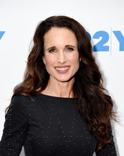 Andie MacDowell kept it ladylike with this long curly 'do at 92nd Street Y.