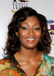 Toccara Jones painted her eyelids with bright yellow eyeshadow for the Ford Hoodie Awards.