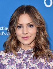 Katharine McPhee matched her outfit with lovely lavender eyeshadow.