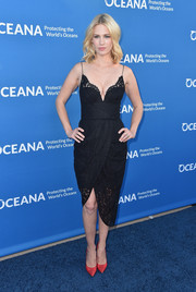 January Jones brought major allure to the Concert for Our Oceans with this lacy lingerie-inspired LBD by Zimmermann.