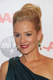 Penelope Ann Miller wore her hair in a voluminous loose bun at the 11th Annual Movies for Grownups Awards Gala.