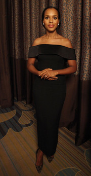Kerry Washington looks demure in this off-the-shoulder black dress