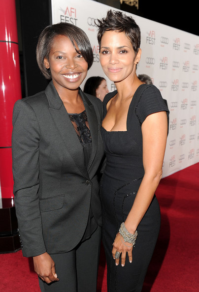 Actress Halle Berry showed off an oxidized sterling silver and rose cut diamond ring, while attending the AFI Fest.