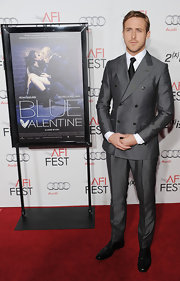 Ryan Gosling paired his debonaire suit with a shiny pair of flat Oxfords at the AFI Fest 2010.