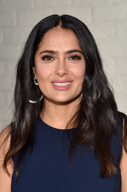 Salma Hayek kept it casual with this loose center-parted hairstyle at the AFI FEST Indie Contenders Roundtable.