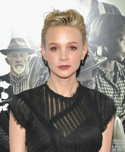 Carey Mulligan rocked an edgy-glam pompadour at the AFI FEST 2017 opening night gala.