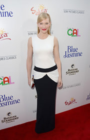 Cate showed off her tall frame with this black-and-white drop-waist gown with gorgeous draping on the waist.