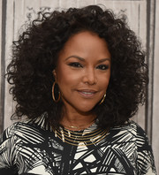 Lynn Whitfield sported a voluminous curly hairstyle at the AOL Build Speaker Series.