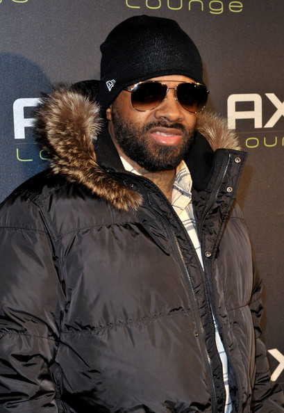 Jermaine Dupri rocked aviator shades at the Axe Lounge Super Bowl party.