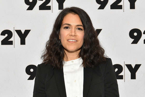 Abbi Jacobson Medium Wavy Cut [premiere,outerwear,font,long hair,white-collar worker,style,black hair,abbi jacobson,whoopi goldberg,ilana glazer in conversation with,ilana glazer,conversation,new york city,92nd street y]