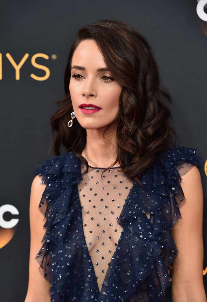 Abigail Spencer Medium Curls Abigail Spencer Looks