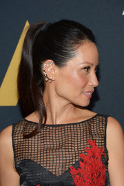 Lucy Liu brushed her hair back into a simple ponytail for the Student Academy Awards.