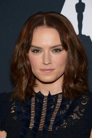 Daisy Ridley attended the Student Academy Awards wearing her hair in high-volume, shoulder-length waves.