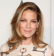 Michelle Monaghan accessorized with a lovely pair of tiered diamond chandelier earrings.