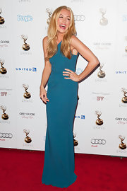 Cat Deeley was all smiles in this rich turquoise evening dress!