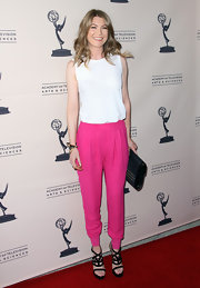 Ellen Pompeo was playful in these hot pink harem pants at the Evening With Shonda Rhimes & Friends.