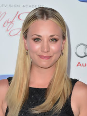 Kaley Cuoco styled her signature blonde locks in a sleek and straight 'do with a middle part.