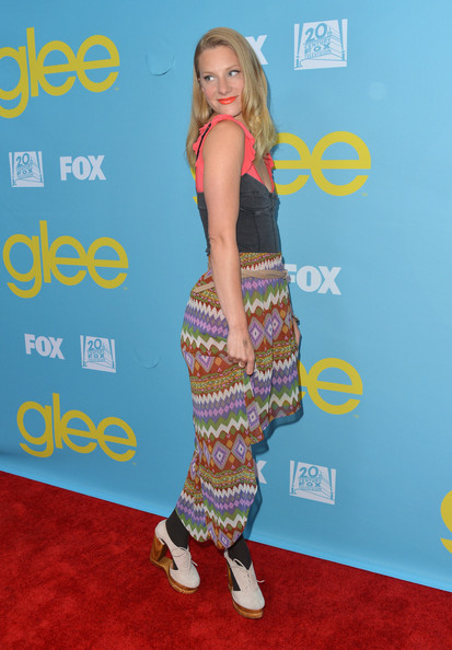 Heather Morris paired black socks with her white cutout heeled oxfords for a screening of 'Glee.'