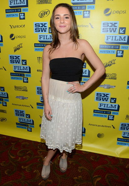 Addison Timlin Clothes