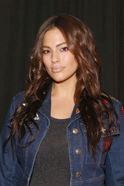 Ashley Graham contrasted her bold eye makeup with a nude lip.