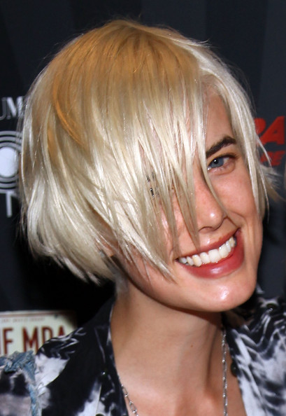 Agyness Deyn Short Scene Cut [hair,hairstyle,blond,face,chin,bob cut,eyebrow,bangs,hair coloring,layered hair,agyness deyn,records,all points west,columbia,new york city,the cooper square hotel,carrera sunglasses,party,party]