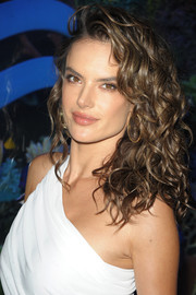 Alessandra Ambrosio showed off luxuriant curls at the HQ2 Beachclub event.
