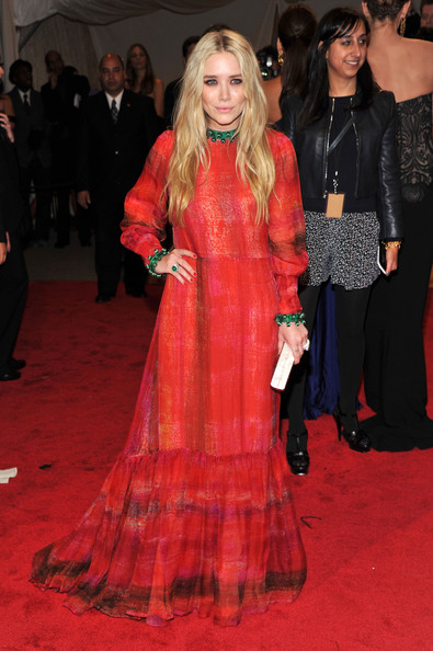 More Pics of Mary-Kate Olsen Cocktail Ring  (6 of 9) - Mary-Kate Olsen Lookbook - StyleBistro