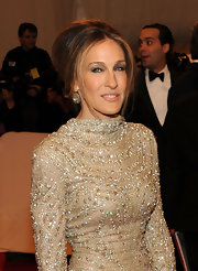 Sarah Jessica Parker pinned her hair up in a center part French twist which allowed her sparkling dress to take center stage.
