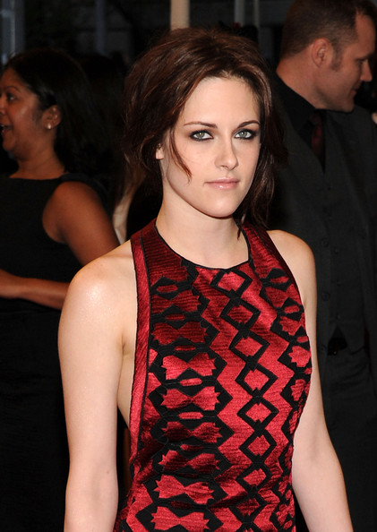 More Pics of Kristen Stewart Bangle Bracelet (1 of 18) - Kristen Stewart Lookbook - StyleBistro