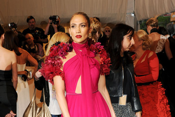 Jennifer Lopez Plays it up in Pink Gucci at the 2011 Met Gala