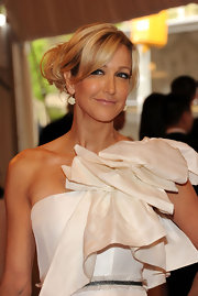 Lara Spencer pulled her tresses up in a classic chignon at the 2011 Met Gala.