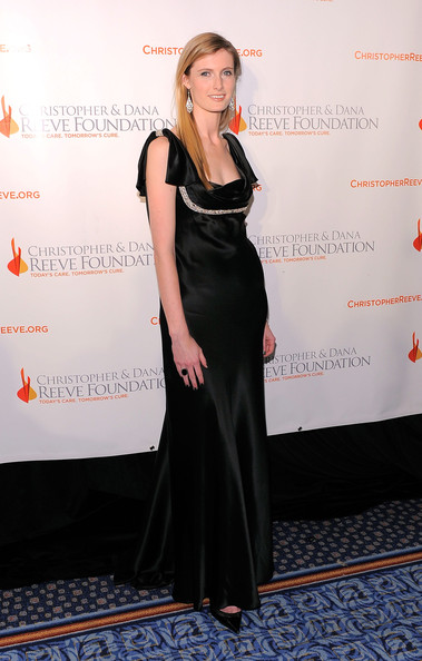 Alexandra Reeve-Givens Evening Dress [clothing,dress,carpet,fashion,premiere,shoulder,event,red carpet,little black dress,flooring,alexandra reeve givens,new york marriott marquis,new york city,christopher dana reeve foundation,red carpet,the new york marriott marquis,a magical evening 20th anniversary gala]