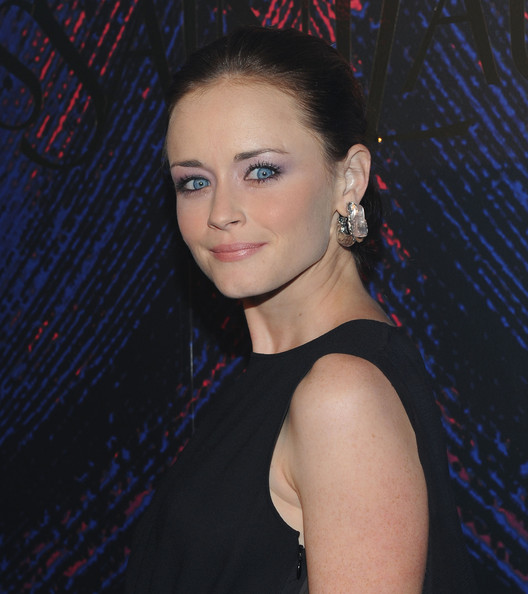 Alexis Bledel Dangle Decorative Earrings